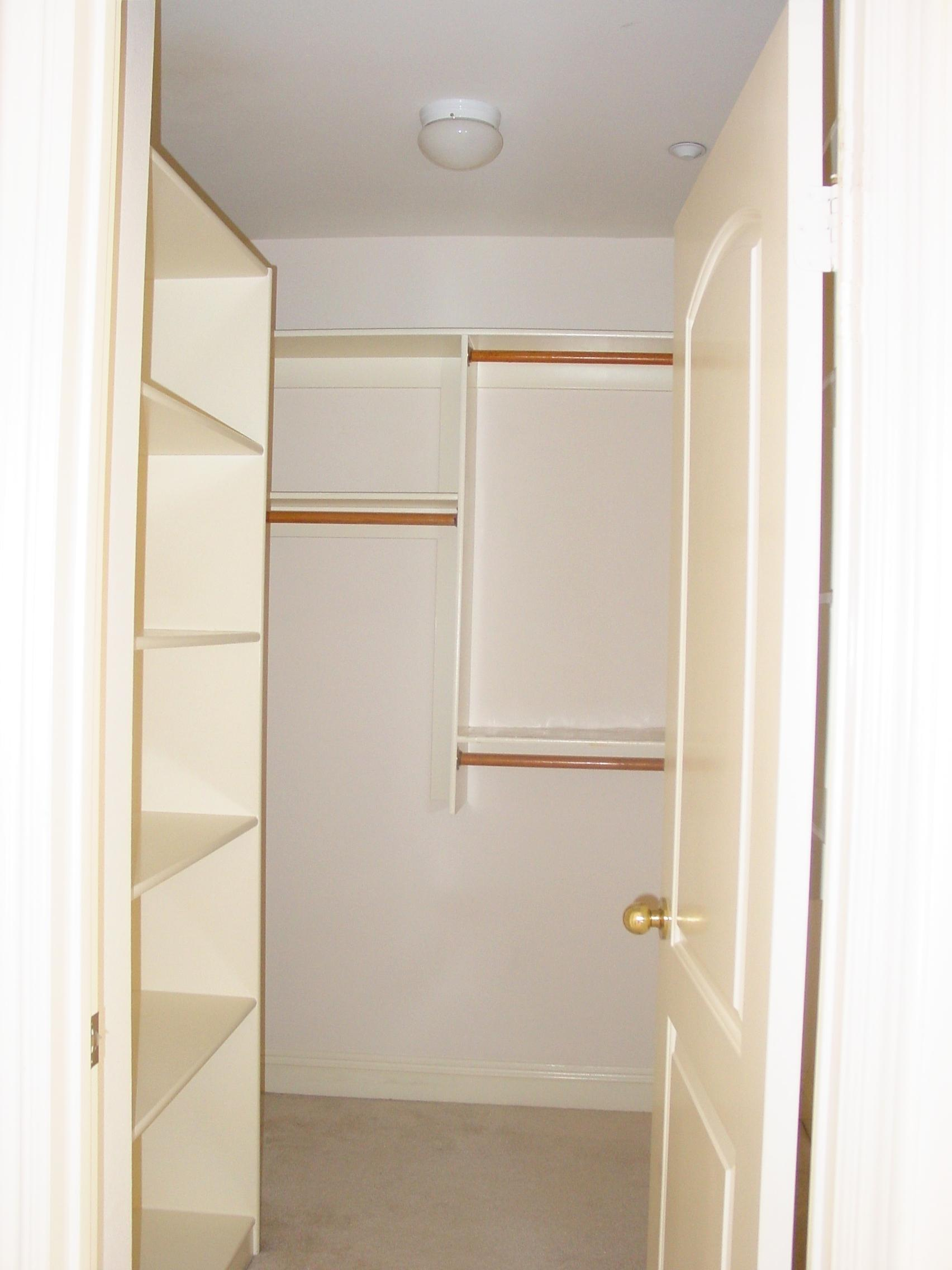 Bedroom master bath walk in closet pictures for Master bathroom designs with walk in closets